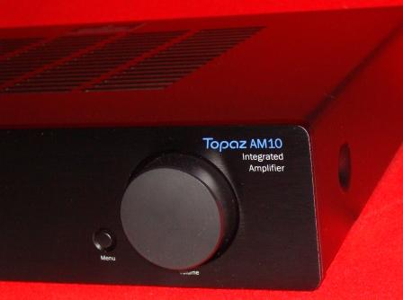 Усилитель_Cambridge_Audio_Topaz_AM10