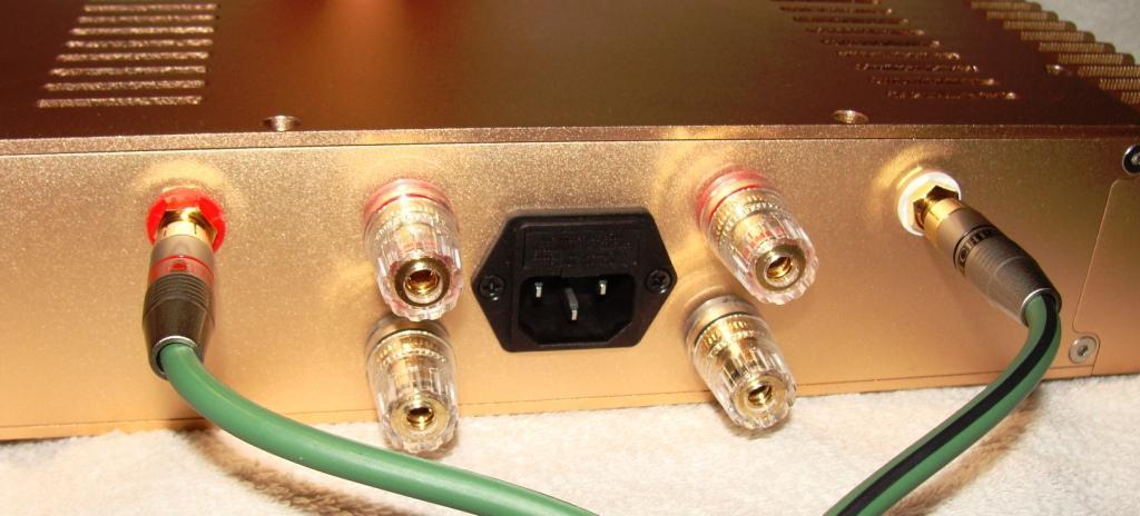 подключение кабеля к усилителю