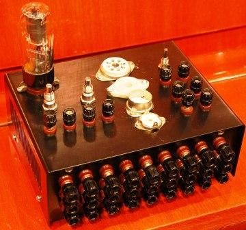 измерительный прибор - характериограф для радиоламп