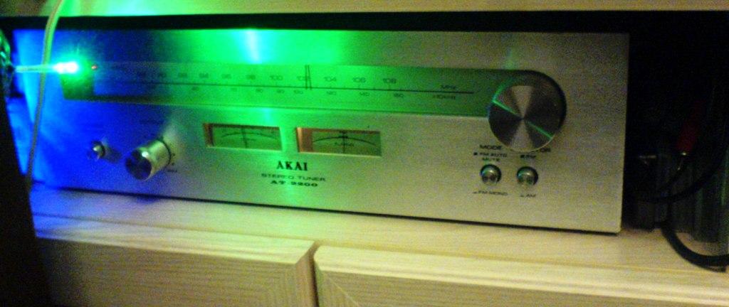 AKAI AT-2200