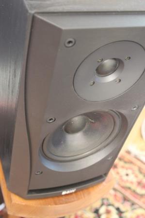 акустика B&W 302 DM