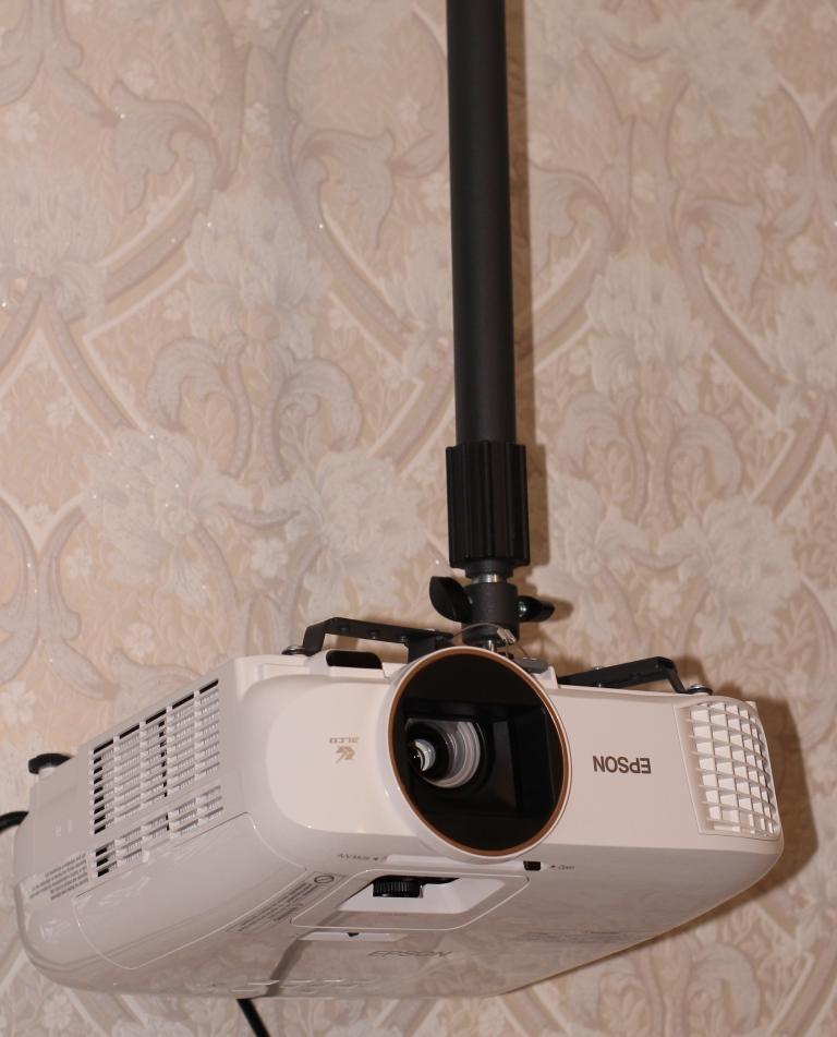 Epson EH-TW5650 крепёж