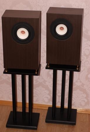 акустика на широкополосных динамиках + стойки