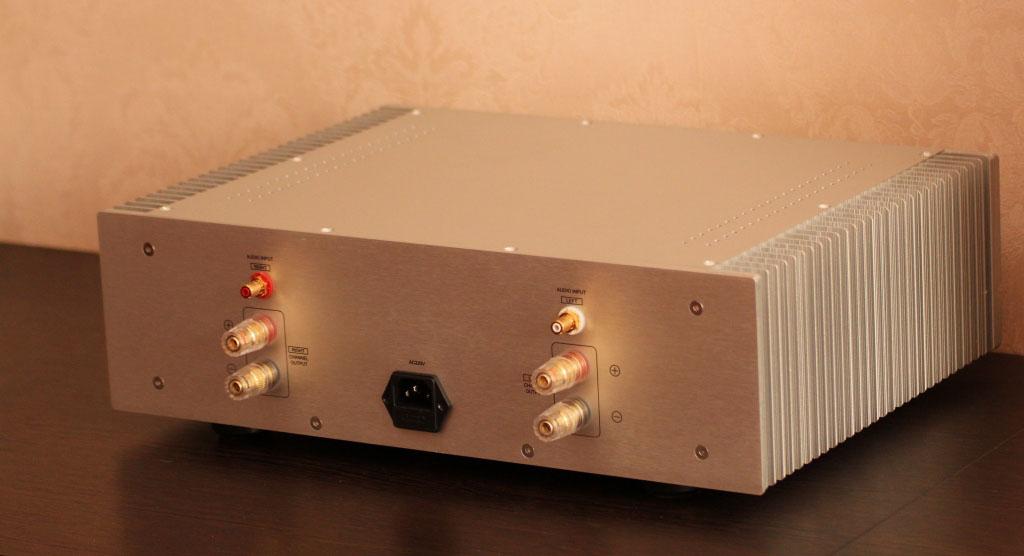 клон FM711 задняя-панель