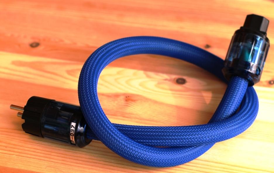 OYAIDE кабель силовой 220В