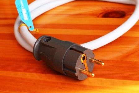 Сетевой кабель Supra LoRad CS-EU (3x2.5) отзывы