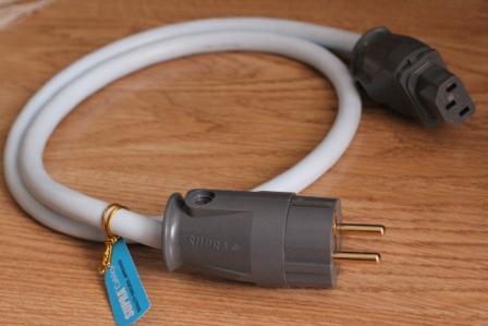Сетевой кабель Supra LoRad CS-EU (3x2.5) 1м