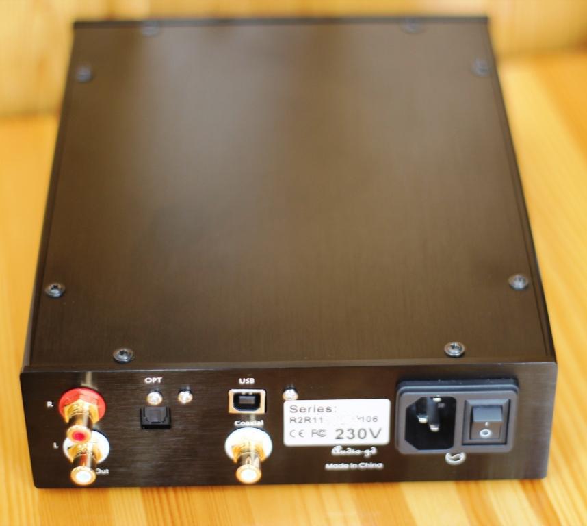 задняя панель Audio GD R2R 11