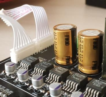 топовые конденсаторы Nichicon FW