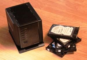 Cамый маленький в мире NAS Synology DS409 slim