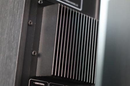 радиатор усилителя