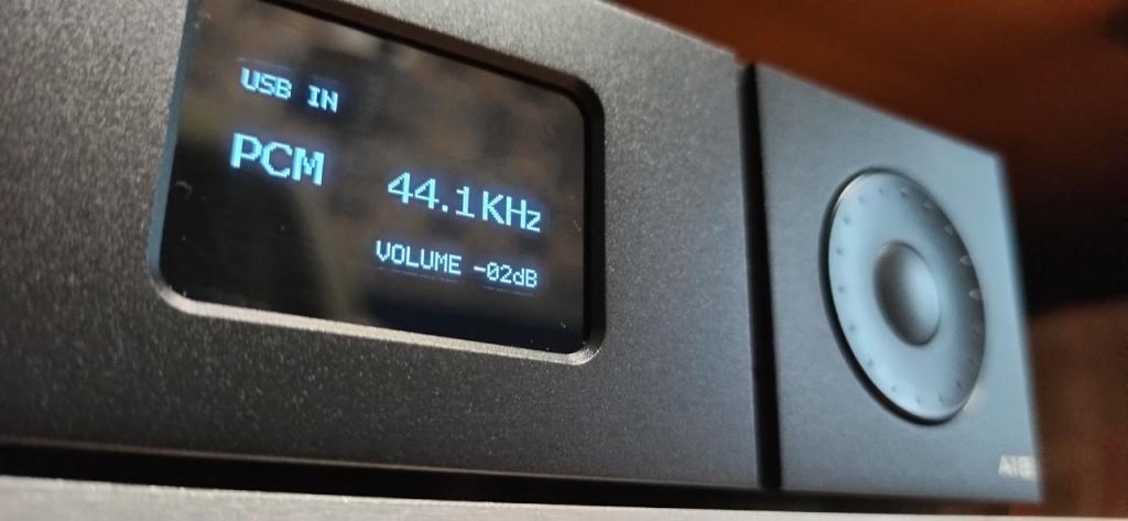 ЦАП Gustard A18 дисплей