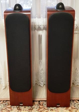акустика B&W 703